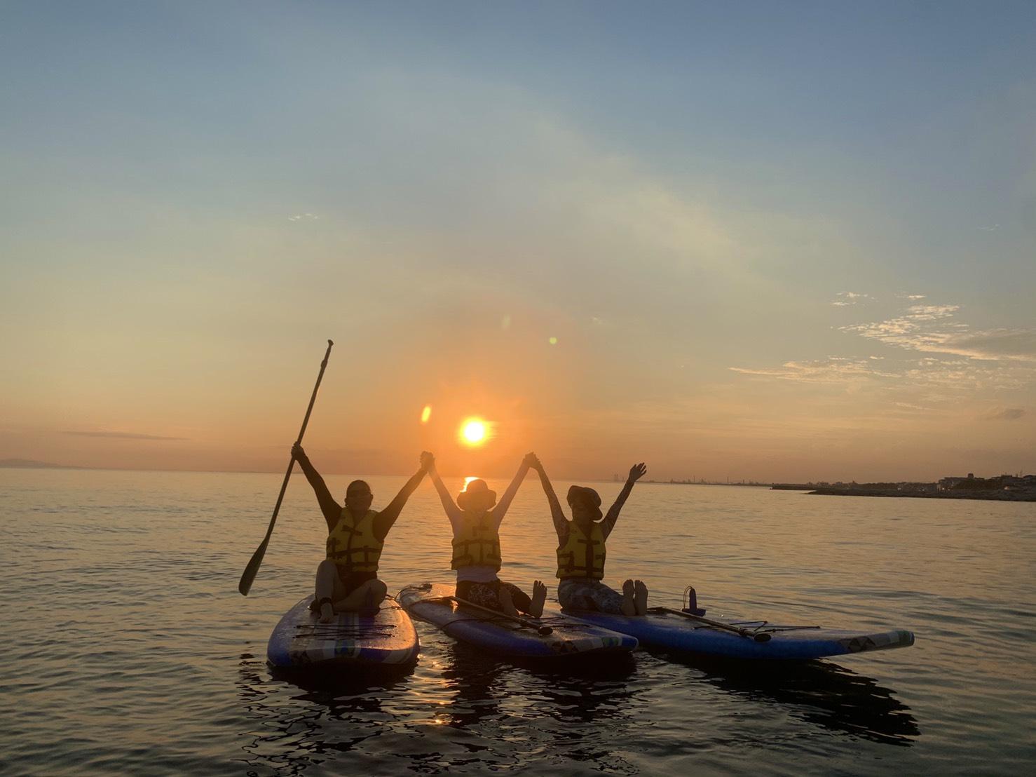 夏は海でSUPヨガ!色々選べるロケーション